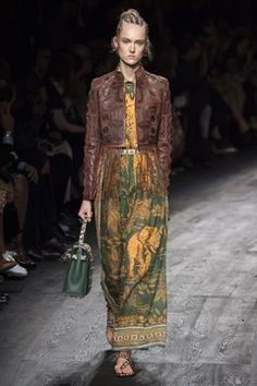 http://www.vogue.co.uk/fashion/spring-summer-2016/ready-to-wear/valentino