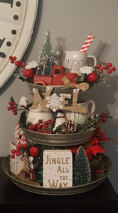 Country Christmas Decorations, Farmhouse Christmas Decor, Christmas Centerpieces, Rustic Christmas, Xmas Decorations, Winter Christmas, Vintage Christmas, Christmas Holidays, Christmas Kitchen