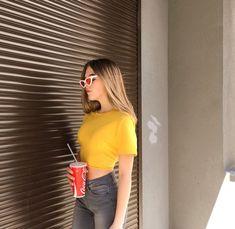 ༺𝓈𝒶𝓎𝒶𝓇𝑒𝓈☾༻ Tumblr Photography, Photography Poses, Tmblr Girl, Artsy Photos, Foto Instagram, Insta Photo Ideas, How To Pose, Photo Poses, Photo Shoots