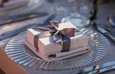 Ιδεες για elegant διακοσμηση γαμου  See more on Love4Weddings  http://www.love4weddings.gr/elegant-diakosmisi-gamou/  Photography by Dimitris Andritsos Photography   http://www.dimitrisandritsos.gr/blog/
