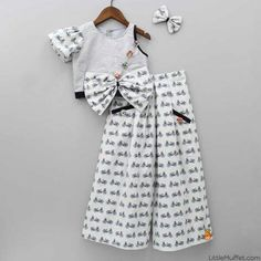 Baby Girl Frocks, Baby Girl Party Dresses, Dresses Kids Girl, Kids Outfits Girls, Kids Frocks Design, Baby Frocks Designs, Kids Dress Wear, Kids Gown, Kids Fashion Wear
