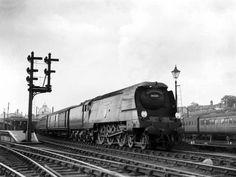 Railway Herald :: Imaging Centre :: 34059 at Stratford Southern Railways, Merchant Navy, Steam Railway, Bullen, Train Service, Battle Of Britain, Steam Engine, Locomotive, Brighton