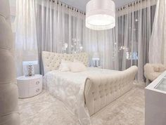 A romantic bedroom offers a warm and inviting atmosphere. It creates a soothing retreat for your tired spirit. It promotes intimacy. A romantic bedroom is often associated with softness, intricate details and splashes of red. Dream Rooms, Dream Bedroom, Home Bedroom, Bedroom Decor, Design Bedroom, Lux Bedroom, Bedroom Furniture, Gothic Bedroom, Bedroom Beach