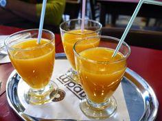Freshly squeezed orange juice. Handbags and Cupcakes: Brunch at Au Pays Des Merveilles (APDM), Brussels