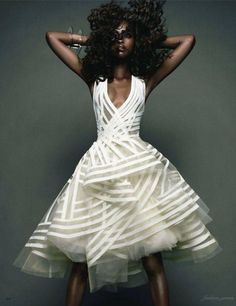 In her editorial for VOGUE JAPAN, Nyasha Matonhodze is a vision to behold in this beautiful dress from Donna Karan's Resort 2012 collection. Photo: Sølve Sundsbø for Vogue Japan. Donna Karan, Unique Dresses, Pretty Dresses, Unusual Wedding Dresses, Different Wedding Dresses, Crazy Dresses, Unconventional Wedding Dress, Vogue Japon, Moda Afro