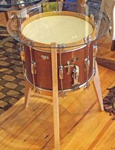 Repurposed Snare Drum Table by FourthandTrade on Etsy Más Music Furniture, Studio Furniture, Diy Furniture, Table Tambour, Drum Room, Drum Table, Creation Deco, Repurposed Furniture, Home Projects