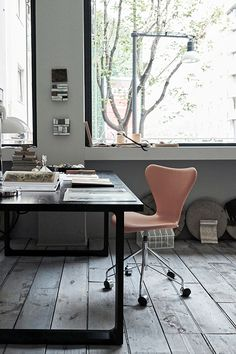 Essay table by Cecilie Manz and Series 7 chair by Arne Jacobsen from Fritz Hansen