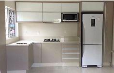 Cozinha em L: 70 modelos funcionais para incorporar no seu projeto Kitchen Cabinets Decor, Kitchen Room Design, Kitchen Cabinet Design, Modern Kitchen Design, Home Decor Kitchen, Interior Design Kitchen, Kitchen Ideas, Modern Kitchens, Grey Kitchens