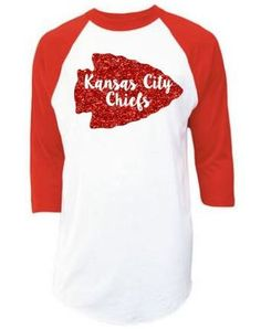 Kansas City Chiefs Red Arrow Glitter Raglan T-Shirt by HeatonCrafted on Etsy Kc Chiefs Hats, Kansas City Chiefs Shirts, Spirit Shirts, Basketball Mom, Football Outfits, Football Stuff, Nfl Shirts, Red Arrow, Vinyl Projects