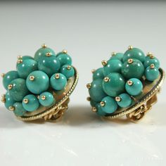 See more #vintage #jewelry #vintagejewelry on our website (link in bio!) #TURQUOISE #UNIQUE CLUSTER 14K YELLOW GOLD CLIP #EARRINGS