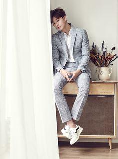 Rụng tim trước bộ ảnh mới đẹp trai như hoàng tử của Park Seo Joon - Ảnh 3.