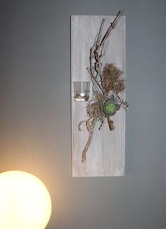 Inspirational WD Au ergew hnliche Wanddeko Holzbrett bebeizt und wei geb rstet dekoriert mit nat rlichen Materialien