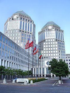 Cincinnati-procter-and-gamble-headquarters - Ohio - Wikipedia Ohio Usa, Wall Street, Great Places, Places To Visit, Procter And Gamble, The Buckeye State, Ohio River, Kentucky, United States
