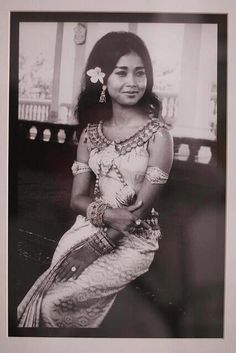 Princess Bopha Tevi, the first Apsara dancer, in 1960s. via Amazing Cambodia on facebook.