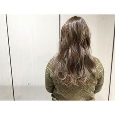 カラーされたい方、ご連絡ください♪ まだまだ空きあります☆ カラーリスト限定価格でやらせていただきます☆  DM or LINE:yyyyyyysk  コントラストをつけないグラデーション☆ 退色とともに少しずつ出てくるグラデーションが  バレイヤージュで筋もいれてるので立体感もでます☆  髪の毛のケア、色落ち等の相談などだけでも大歓迎です 簡単な質問でしたらコメントだけでも○ DM or LINE:yyyyyyysk  #ブルージュ#ヘアカラー#バイオレット#アッシュ#マット#グレー#グレージュ#ミントアッシュ#グラデーション#グラデーションカラー#外国人風#透明感#ヘアー#カラーモデル#募集#カラー#ヘアカラー#東京#表参道#原宿#美容#美容室#作品撮り#サロンモデル#美容学生#ALIVE#動画#ジョージカラー