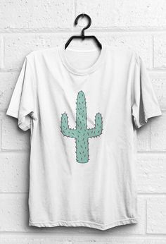 Cactur tshirt with vintage western design  Size chart in last photo. Please purchase with it.  *** If you dont have a Paypal account, you can pay