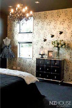 Black-Web4 Garden News, Anne Of Green Gables, Dark Art, Beautiful Homes, Home And Garden, Wallpaper, Bedrooms, House, Furniture