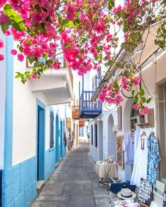 Nisyros Volcanic Island Guide: Day trip or stay overnight? Greece Kos, Greek Decor, Stay Overnight, Domestic Flights, Europe Travel Guide, Greece Travel, Countries Of The World, Greek Islands, Natural Wonders