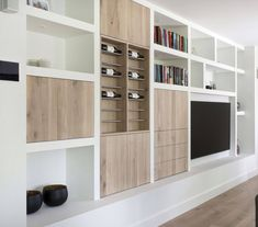 interesting wall unit, we could take some ideas from this. Living Room Tv, Home And Living, Muebles Living, Built Ins, Family Room, Furniture Design, New Homes, House Design, Interior Design