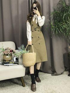 Korean Fashion – How to Dress up Korean Style – Designer Fashion Tips Korean Girl Fashion, Korean Fashion Trends, Korean Street Fashion, Ulzzang Fashion, Korea Fashion, Cute Fashion, Fashion Fashion, Kpop Fashion Outfits, Korean Outfits
