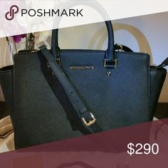 Michael kors Selma Large Saffiano leather in Black Authentic Michael Kors, used only 3 times. Excellent condition MICHAEL Michael Kors Bags Satchels