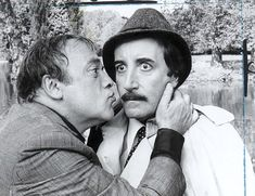 peter sellers as inspector clouseau and Herbert Lom as his boss Detective, Panthères Roses, Por Tras Das Cameras, Herbert Lom, Physical Comedy, T Movie, Sneak Attack, British Comedy, Pink Panthers