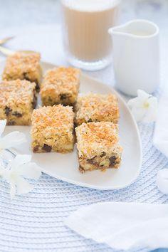 Imádunk sütni - Csokis-kókuszos kocka Krispie Treats, Rice Krispies, Cereal, Breakfast, Food, Morning Coffee, Essen, Meals, Rice Krispie Treats