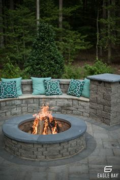 These fire pit ideas and designs will transform your backyard. Check out this list propane fire pit, gas fire pit, fire pit table and lowes fire pit of ways to update your outdoor fire pit ! Find 30 inspiring diy fire pit design ideas in this article. Fire Pit Area, Diy Fire Pit, Fire Pit Backyard, Outdoor Fire Pits, Fire Pit Seating, Brick Patterns Patio, Fire Pit Plans, Backyard Patio Designs, Patio Ideas
