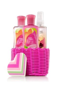 Bath and body works basket shea butter 33 ideas Bath N Body Works, Body Wash, Bath And Body, Perfume Body Spray, B Words, Body Treatments, Smell Good, Body Lotion, Shopping