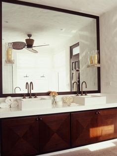 Modern Bathrooms from Michael Habachy : Designers' Portfolio 5683 : Home & Garden Television#//room-bathrooms/style-modern#//room-bathrooms/style-modern#/id-3634/room-bathrooms/style-modern