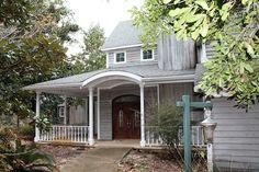 Lovely home at 4676 Soundside Dr, Gulf Breeze, FL 32563