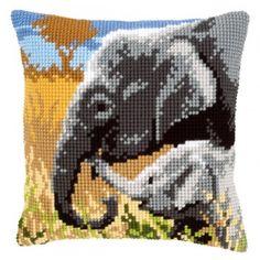 Borduurpakket voor het borduren van een kussen van een olifant met haar jong.