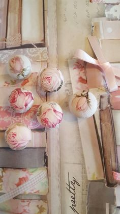 Shabby Chic Pink Paint Styles and Decors to Apply in Your Home – Shabby Chic Home Interiors Shabby Chic Pink, Shabby Chic Homes, Shabby Chic Decor, Salvaged Furniture, Cool Furniture, Shabby Chic Drawer Knobs, Lace Shower Curtains, Wooden Window Frames, Fade Color