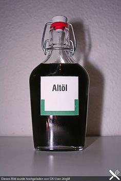 """Lakritz - Likör '7 auf 100', auch bekannt als """"Schwarze Sau"""" oder """"Altöl"""""""
