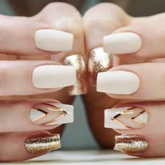 If you don't like fancy nails, classy nude nails are a good choice because they are suitable for girls of all styles. And nude nails have been popular in recent years. If you also like Classy Nude Nail Art Designs, look at today's post, we have col Gold Nail Art, White Nail Art, White Gold Nails, Ivory Nails, Black Gold, Matte Black, Black White, Navy Blue Nails, White Manicure