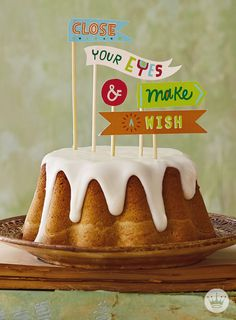 A mountain of wishes come along with this easy to decorate cake with free printables from Hallmark.