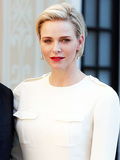 Monaco's Princess Charlene: No One Gave Me a 'Handbook' on Royal Life. http://www.people.com/people/package/article/0,,20395222_20938589,00.html