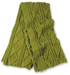 Free knitting pattern for a beautiful Alexi throw.