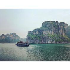 The emerald waters of Ha Long Bay, Vietnam. #halongbay #Vietnam #instatravel #travel #wanderlust #explore #adventure www.theurbangypsy.org ✈️