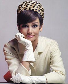 Audrey - classic cream coat, gloves & leopard print hat.