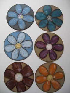 What to do with old 45 RPM records that aren't worth anything? PAINT them, of course! I just primed these, used specialty paper in the centers, and painted fun flowers on them! Vinyl Record Crafts, Old Vinyl Records, 45 Records, Vinyl Art, Old Cd Crafts, Crafts To Do, Home Crafts, Arts And Crafts, Crafts For Seniors