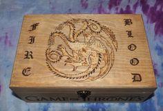 Caja pirograbada de los Targaryen. Juego de Tronos/ Game of Thrones Fire and Blood/ Fuego y Sangre