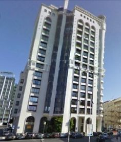 Lisboa, Edifício Valmor. Apartamento com 270 m2 e piscina privativa, para obras. Vendido em Outubro por 690 mil euros. Vendido por Diogo Neto.