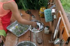 Kid's Mud Bar: an outdoor play station where kids can really use their imagination and utilize a lot of the things they find outdoors to make mud-pies and flower casseroles