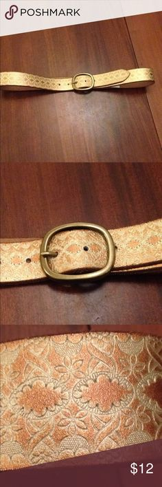 Leather belt Beautiful leather belt copper and gold embossed Brass buckle measures 42 inches long Accessories Belts
