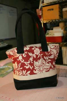 Crafts reDesigned: Hand bag tutorial - No actual pattern but easy to follow rectangle cutting and lots of pics of tutorial