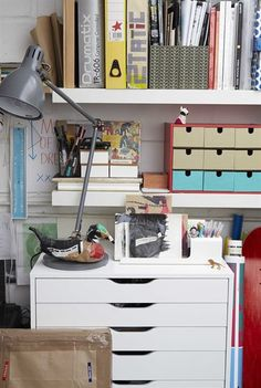 ALEX caisson à tiroirs s/roulettes 99,90€. 67x48, H66 cm. Pan. particules, feuille de mélamine, plast. ABS, peinture acrylique.
