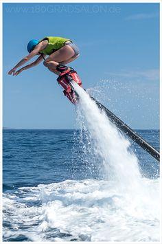 Flyboarden auf Mallorca am Strand von Portals Nous.