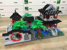 Lego Architecture, Japanese Architecture, Lego Projects, Projects To Try, Lego Minifigure Display, Lego Sculptures, Amazing Lego Creations, Lego Worlds, Lego Design