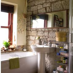 badezimmer ohne fliesen natursteinwand landhaus stil